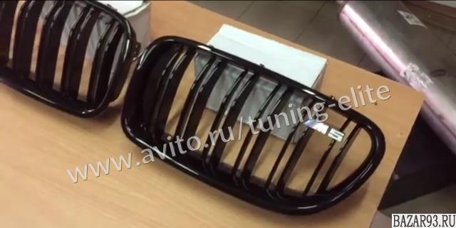 Ноздри черный глянец М5 BMW F10